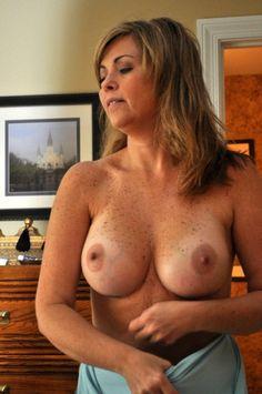 lady nude ageless