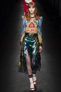 awesome Gucci Fall 2016 Ready-to-Wear Fashion Show - Vogue Couture Fashion, Runway Fashion, High Fashion, Winter Fashion, Fashion Show, Womens Fashion, Fashion Design, Fashion Trends, Milan Fashion