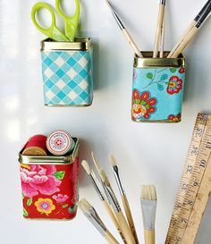 Idea - Take an empty tea tin, mod podge some craft paper around it. Hot glue a good magnet & wah-lah! Tin Can Crafts, Crafts To Make, Crafts For Kids, Craft Paper Storage, Diy Storage, Magnetic Storage, Memo Boards, Craft Gifts, Diy Gifts