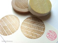 geometric rubber stamp. hand carved rubber stamp. herringbone pattern. circle. mounted. #Stamp #DIY