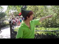 Spieling Peter Pan (talking about pirates and losing your voice), hahaha this is great,  And what's funny is now I know how he says my name! xD I'm su obsessed, hahaha
