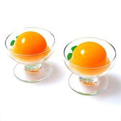 濃厚な有田みかん果汁70%使用した贅沢なゼリーです。寒天とこんにゃく粉で固め軽やかな舌触りに仕上げました。