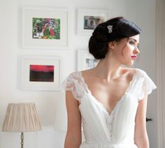 Soie, dentelle, Satin et mousseline de soie romantique mariage robe de designer par UK que Katherine Kerrison Custom made mariage de plage