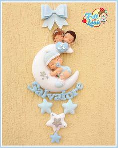 Baby Shawer, Felt Baby, Baby Art, Name Crafts, Felt Crafts, Diy And Crafts, Scrapbook Bebe, Doll Patterns Free, Baby Patterns