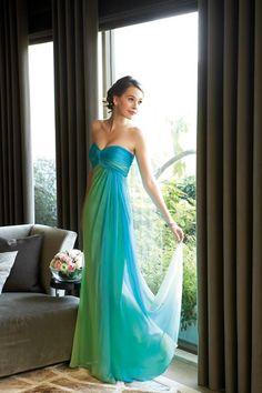 Blue and green ombre dress - instead of a print? Chiffon Evening Dresses, Chiffon Maxi Dress, Evening Gowns, Strapless Dress Formal, Dress Long, Bridesmaid Dresses, Prom Dresses, Formal Dresses, Wedding Dresses