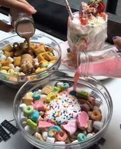 Find images and videos about food, chocolate and yummy on We Heart It - the app to get lost in what you love. Cute Food, Good Food, Yummy Food, Recipes From Heaven, Aesthetic Food, Baby Food Recipes, Food Pictures, Cravings, Food Photography