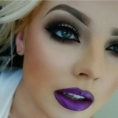 Dare to try a killer color!  Go for an adventurous indigo, a deep dark plum or a complete nude - 10 new shades of matte and creamy Lipclick will have everyone buzzing! Delivers creamy, shiny color. 0.106 oz. net wt.