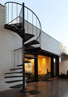 spiral staircase to the roof / PC House by XVA Wendeltreppe zum Dach / PC House von XVA - www. Rooftop Terrace Design, Rooftop Patio, Terrace Ideas, Small Terrace, Small Patio, Escalier Design, Outdoor Stairs, Spiral Staircase Outdoor, Spiral Staircases