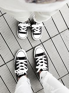 58 Ideas For Baby Shoes Photography Mother Daughters Mother Son Pictures, Mother Daughter Photos, Mother Daughter Photography, Boy Pictures, Mother Daughters, Mommy And Son, Mom Daughter, Mommy And Me Photo Shoot, Family Posing