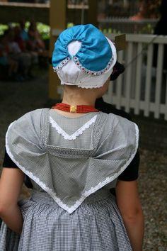 Zeeland (Dutch) Traditional Dress #Zeeland #ZuidBeveland #protestant