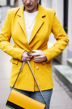The blazer of this spring 2018| Blazer spring 2018, yellow blazer work wear, casual outfit, spring fashion 2018 #blazer #boohoo #myboohoostyle #springstyle #springfashion #workwear #casualstyle #casualoutfits #yellowblazer #fashion #style #streetstyle #streetwear #streetfashion #womensfashion