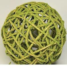 How cute are these Mosscoat Curly Willow Topiary Balls? We have them in several sizes- small ones perfect for bowl, basket or vase filler, larger ones great for mantles, or my favorite- on a cake plate in the kitchen window. Such a cute spring accent. DriedDecor.com #springdecor #farmhousekitchen #curlywillow
