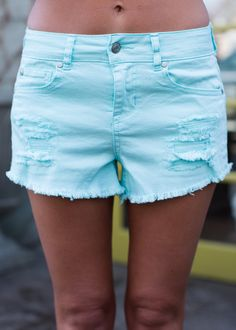 Online boutique. Best outfits. Light Blue, Shorts, Jeans, Distressed, Pockets, Cute, Modern Vintage Boutique