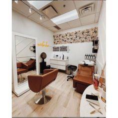 Small Beauty Salon Ideas, Small Hair Salon, Home Beauty Salon, Home Hair Salons, Hair Salon Interior, Beauty Salon Decor, Salon Interior Design, Home Salon, Small Salon Designs