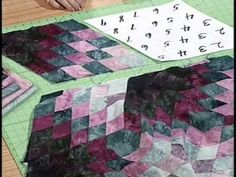 Spinning Diamonds Quilt Pattern with Kaye Wood - YouTube. This is so pretty.