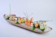 Assorted Sushi & Sashimi Platter Sushi Burger, My Sushi, Sushi Love, Sushi Set, Sushi Catering, Catering Ideas, Appetizer Buffet, Appetizers, Sushi Dishes