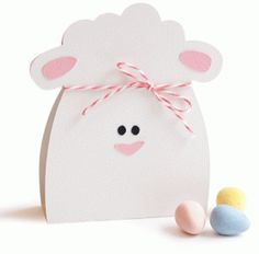 Lamb treat bag---------------I think I'm in love with this shape from the Silhouette Online Store! Craft Box, Craft Stick Crafts, Easy Crafts, Paper Crafts, Diy Eid Cards, Silhouette Online Store, Envelopes, Easter Bunny Decorations, Kits For Kids
