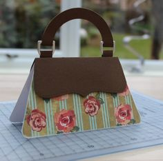 Purse shaped card tutorial