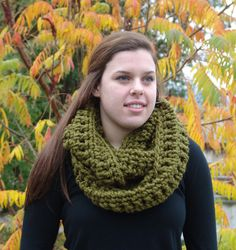Chunky Wool Blend Ivy Infinity Scarf Charcoal by BeehiveCreation Chunky Infinity Scarves, Oversized Scarf, Chunky Wool, Chunky Crochet, Circle Scarf, Beehive, Ivy, Wool Blend, Lamb