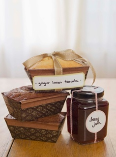 Create homemade gifts for everyone on your holiday list, edible gifts are relatively easy to make and always enjoyed by those who are lucky enough to receive the gift.