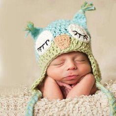 Handmade Cute Newborn Baby Unisex Crochet Knit owl beanie Hat in green and blue christmas baby photography props baby caps