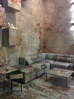 Chameleon-like interior.  #interior #design #wallpaper
