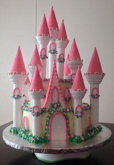 "I(Heart)Cake Decorating ""Castle Cake"" by Princess Birthday Cupcakes, Castle Birthday Cakes, Castle Cakes, Princess Party, Disney Princess, Pretty Cakes, Beautiful Cakes, Amazing Cakes, Beautiful Things"
