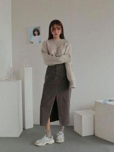 Korean fashion styles 649222102513992128 - korean street fashion 395 Source by diana_antonova Tokyo Street Fashion, Seoul Fashion, Korea Fashion, Korean Fashion Summer Street Styles, Cute Korean Fashion, Muslim Fashion, Korean Girl Ulzzang, Ulzzang Girl Fashion, Ulzzang Style