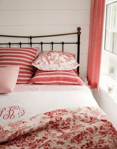 Lively Ways to Use the Color Red Soften a wrought-iron bed by decorating with a mixture of red toile and ticking linens. Looks so cozy!Soften a wrought-iron bed by decorating with a mixture of red toile and ticking linens. Looks so cozy! Red Decor, Decor, Bedroom Red, Blue Decor, Red Rooms, Bedroom Decor, Iron Bed, Home Decor, Red Bedroom Decor