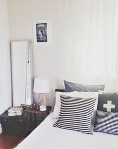 Hong Henwood is one super-inspiring interior designer – especially for those of us who are. Interior Inspiration, Nerd, Interior Design, Bedroom, House, Furniture, Ideas, Home Decor, Nest Design
