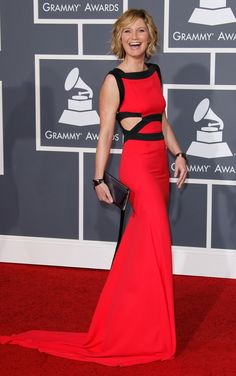Jennifer Nettles wore this striking colorblocked gown by Victoria Beckham in 2010. Live in Technicolor-proof that less is indeed more. - Photo: Dan MacMedan/WireImage