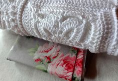 With hand and heart and a lot of imagination, a dream in white # Crochet Tote, Filet Crochet, Bed Pillows, Purses, Knitting, Pattern, Imagination, Totes, Inspiration