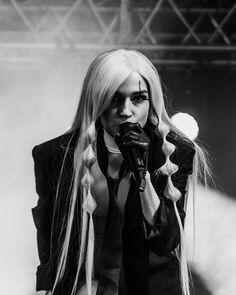 Im Poppy, That Poppy, Poppy Music, Poppy Singer, Sunken Eyes, Poppy Photo, Poppy Pins, Indie Pop, Female Singers