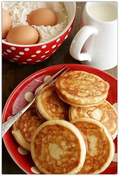 Pancakes: The Lord's breakfast food Breakfast For Dinner, Breakfast Time, Breakfast Recipes, Cuisine Diverse, Pancakes And Waffles, Mo S, Recipe Of The Day, Finger Food, Love Food