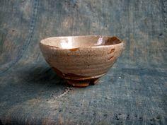 Hagi tea bowl by Saka Koraizaemon IV