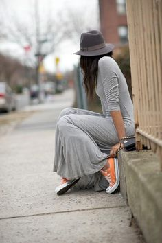 Orange Converse --this kind of orange for the wedding shoes. Not too bright and would look good with the dresses :) Neon Converse, Converse Sneakers, Outfits With Converse, Converse How To Wear, Orange Converse, Converse Fashion, Converse Style, Grey Maxi, Gray Dress
