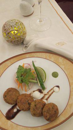 Taste our Amritsar's Tandoori Aloo Tiki @ Gharana Street Food Night Every Saturday. Indian Street Food, Tasty, Night, Breakfast, Ethnic Recipes, Morning Coffee