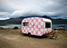 vintage trailer ~ checker pink ~ Want this to Shabby chic it all up!