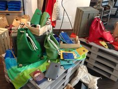 It's hard to be easy. Le IF Bags approdano in Bastimento
