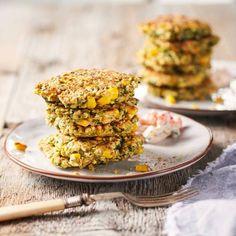 Zin in vega. Probeer deze. recept - Maispannenkoekjes met tomaat-komkommersaus - Boodschappenmagazine