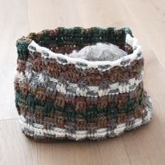 Háčkovaný košík / Crochet basket