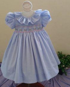 Girls Smocked Dresses, Dresses Kids Girl, Little Girl Outfits, Flower Girl Dresses, Baby Girl Dress Patterns, Baby Dress, Punto Smok, Dress Anak, Baby Frocks Designs