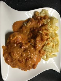 Schnitzelauflauf in Tomatenrahm - My list of the most healthy recipes Clean Eating Recipes For Dinner, Dinner Recipes, Good Food, Yummy Food, Food Tags, Steak Recipes, Risotto, Macaroni And Cheese, Food Porn