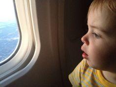 10 ways to entertain a toddler on a plane