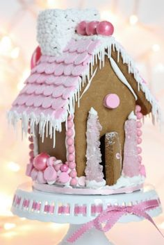 {Video} Making a Gingerbread House & {Free Printable} Gingerbread House Template. - {Video} Making a Gingerbread House & {Free Printable} Gingerbread House Template – pink-gingerbr - Christmas Gingerbread House, Noel Christmas, Pink Christmas, Christmas Goodies, Christmas Baking, Christmas Treats, Holiday Treats, All Things Christmas, Holiday Fun