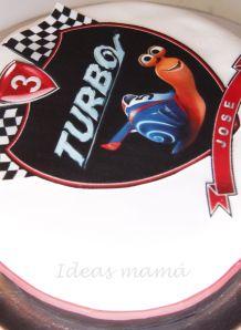Tarta turbo caracol personalizada con impresiones comestibles