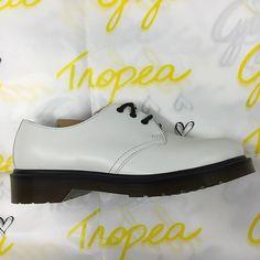 GIGI TROPEA  Shop on Line gigitropea.com  FARFETCH  30% 40% 50%  LEATHER CROWNDr MARTENS €145 40%