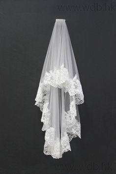 Custom-made Beautiful Vintage Lace Trim Wedding Veil Fingertip Veils, Two-tier, With Plastic Comb, Angel Cut/Waterfall, Raw Edge, Lace, Clear, White, English Netting ,: