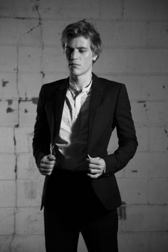 slightly obsessed with the wonderful johnny flynn.