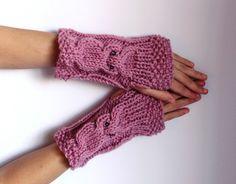 Owl Fingerless Gloves...I want!